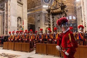 20190506 Holy Mass at the altar of the Chair of St opt 11 300x200 - 20190506_Holy Mass at the altar of the Chair of St_opt-11